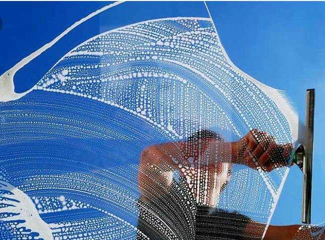 Servicios de limpieza de vidrios - 3
