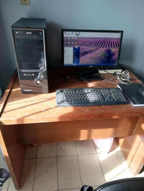 PC con escritorio - 0