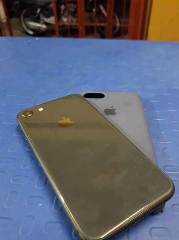 iPhone 8 - 2