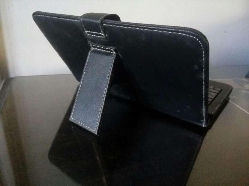Teclado Forro Porta Tablet - 1