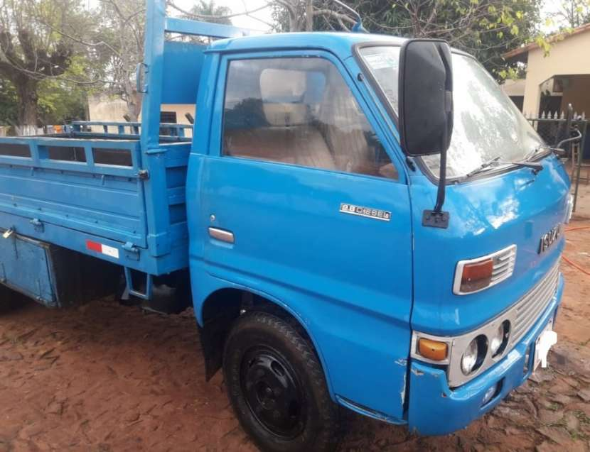 Camión Isuzu - 3
