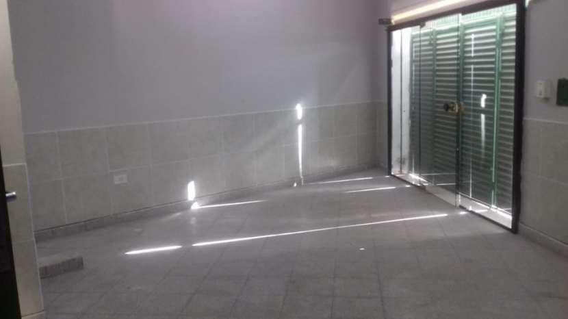 Salón comercial en Mariano Roque Alonso A1773