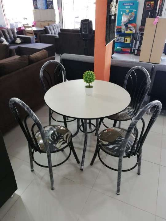 Juego comedor Redondo 4 sillas - 0