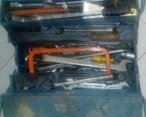 Lote de herramientas y repuestos para camiones pesados
