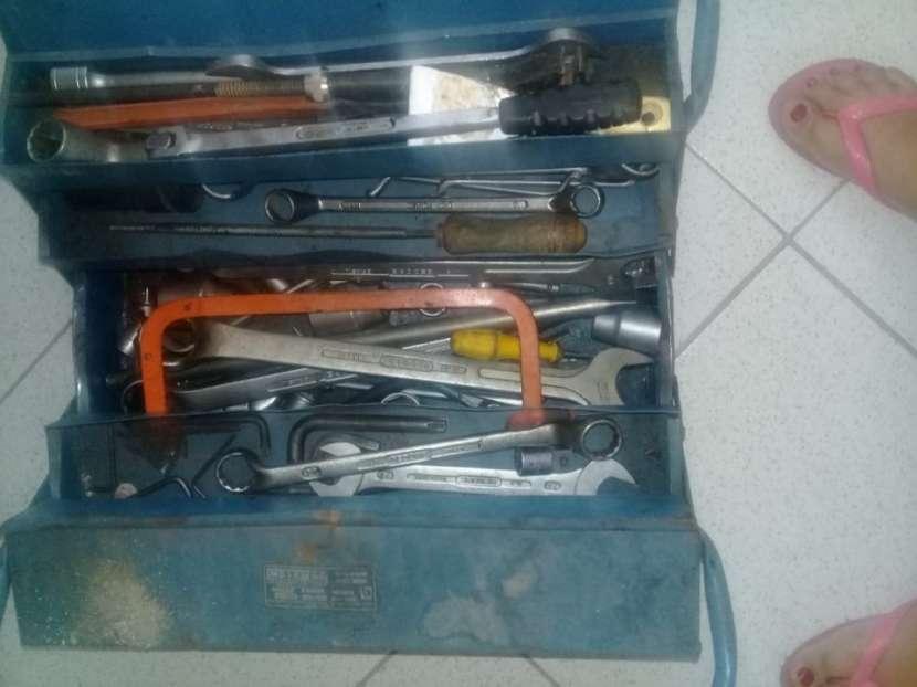 Lote de repuestos y herramientas p/ camiones pesados - 8