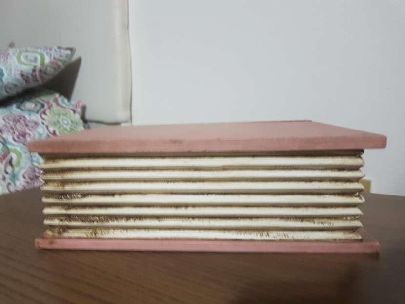 Baúl en forma de libro - 0