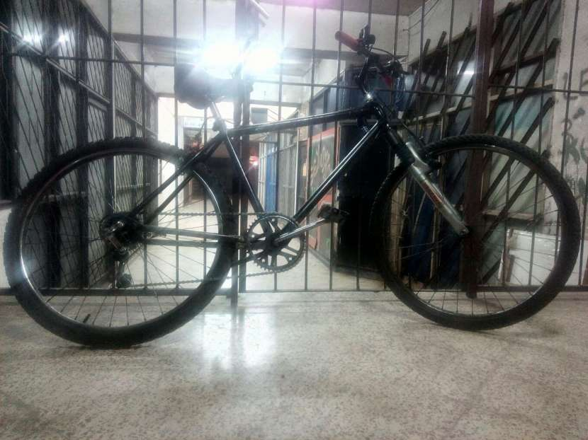 Bicicleta Bizarre - 1