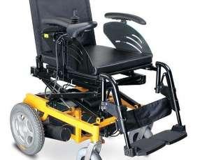 Silla de ruedas motorizada con elevación de altura
