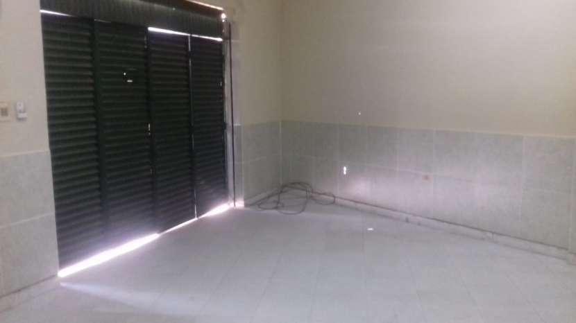 Salón comercial en Mariano Roque Alonso COD 2215 - 3