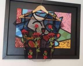 Blusa transparencia negro con flores rojas