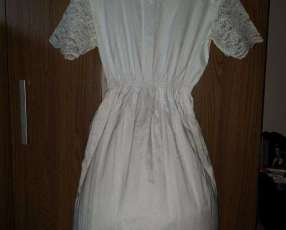 Vestido Blanco sencillo