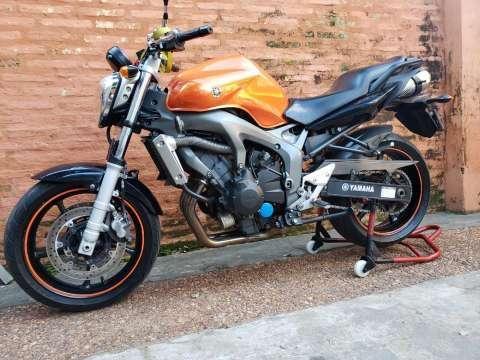 Moto Yamaha FZ6 - 0