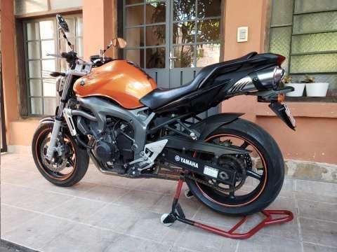 Moto Yamaha FZ6 - 1