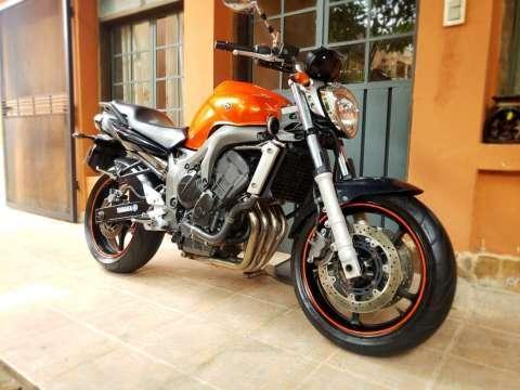 Moto Yamaha FZ6 - 2