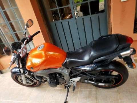 Moto Yamaha FZ6 - 3