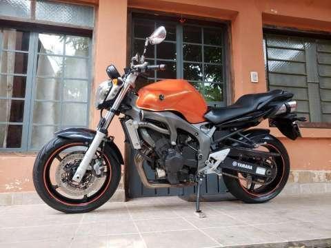Moto Yamaha FZ6 - 4