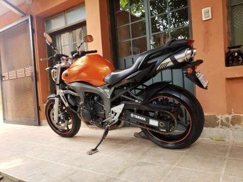 Moto Yamaha FZ6 - 6