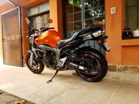 Moto Yamaha FZ6 - 7