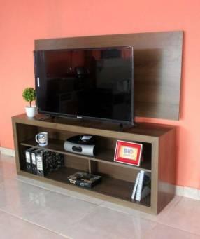 Rack + panel bahía para tv de hasta 43 pulgadas