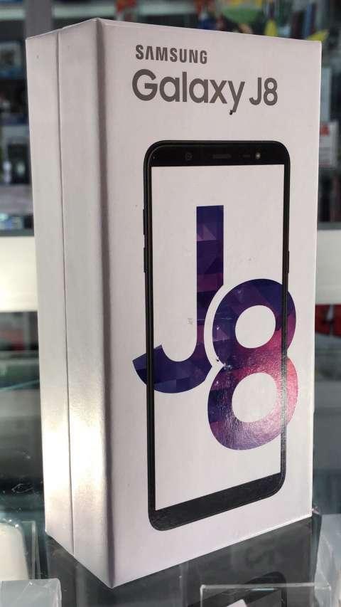 Samsung Galaxy J8 nuevo - 0
