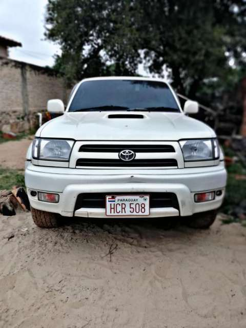 Toyota Hilux Surf 2000