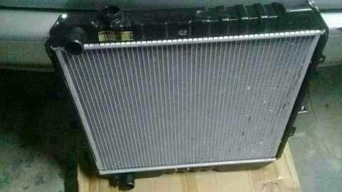 Radiador para toyota Hilux LN106L - 0