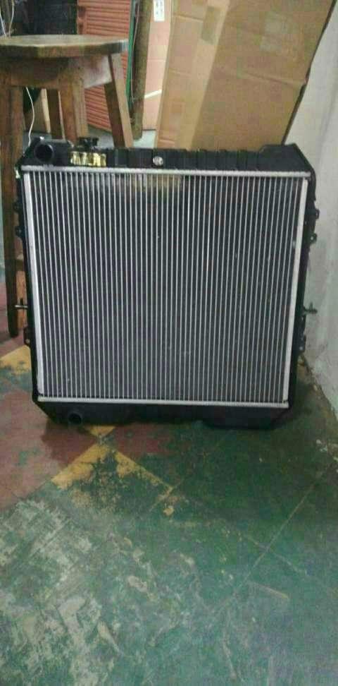 Radiador para toyota Hilux LN106L - 4