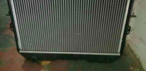 Radiador para toyota Hilux LN106L - 5