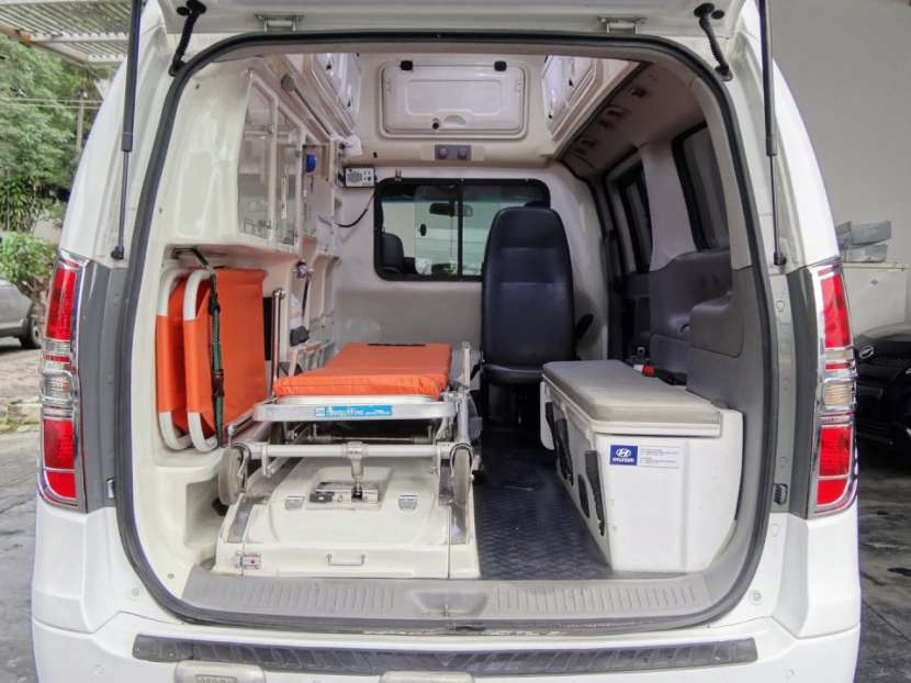 Hyundai Starex Ambulancia 2008 - 6