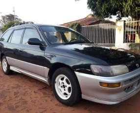 Toyota corolita familiar