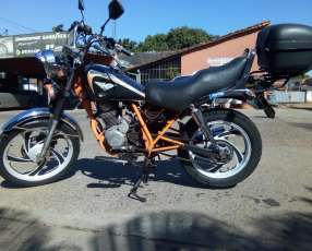 Moto Kenton Custom