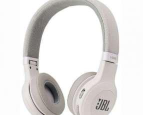 Auricuar JBL T450BT