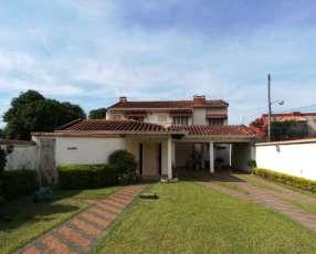 Residencia en Zona Norte Fernando de la Mora