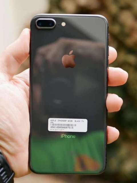 iPhone 8 Plus - 1