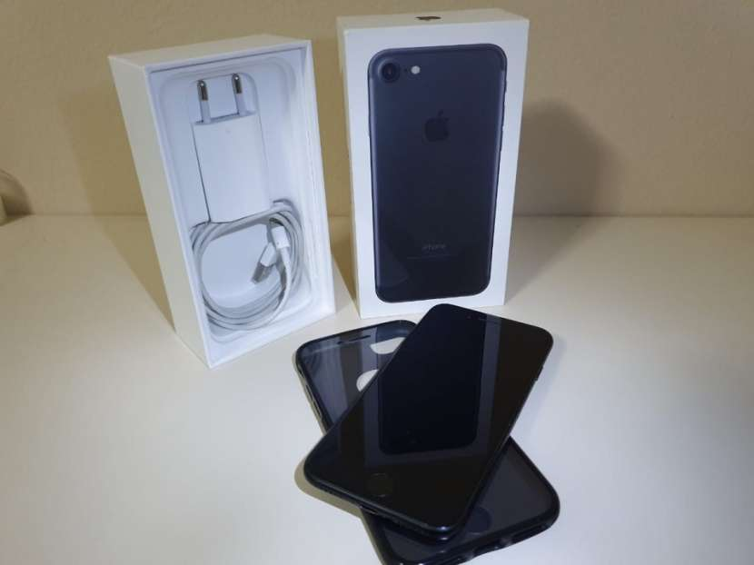 IPhone 7 de 128 gb Impecable - 0