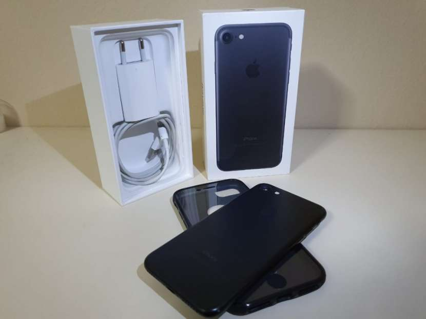 IPhone 7 de 128 gb Impecable - 1