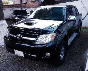 Toyota Hilux 4x4 mecánico