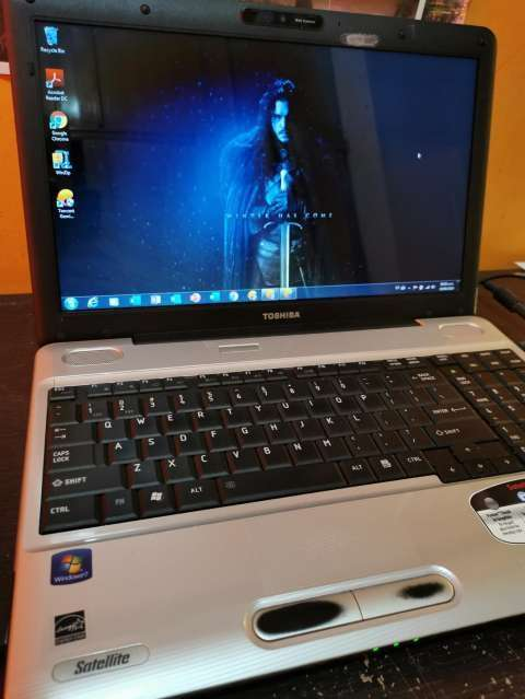 Notebook Toshiba L505 - 0