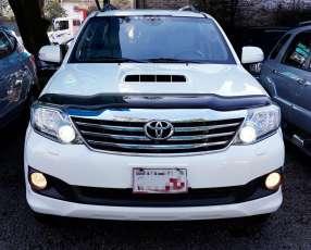 Toyota Fortuner 2013 full de Toyotoshi