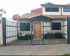 Duplex en Mariano Roque Alonso Zona Shopping Mariano
