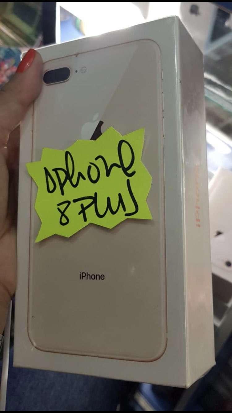 IPhone 8 Plus de 64gb en caja sellado - 0