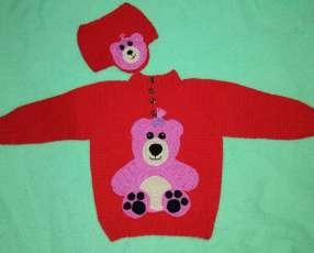 Abrigo y gorro de crochet con hilo de lana anti alérgico