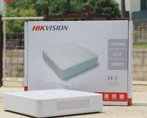 DVR de 4 canales Hikvision