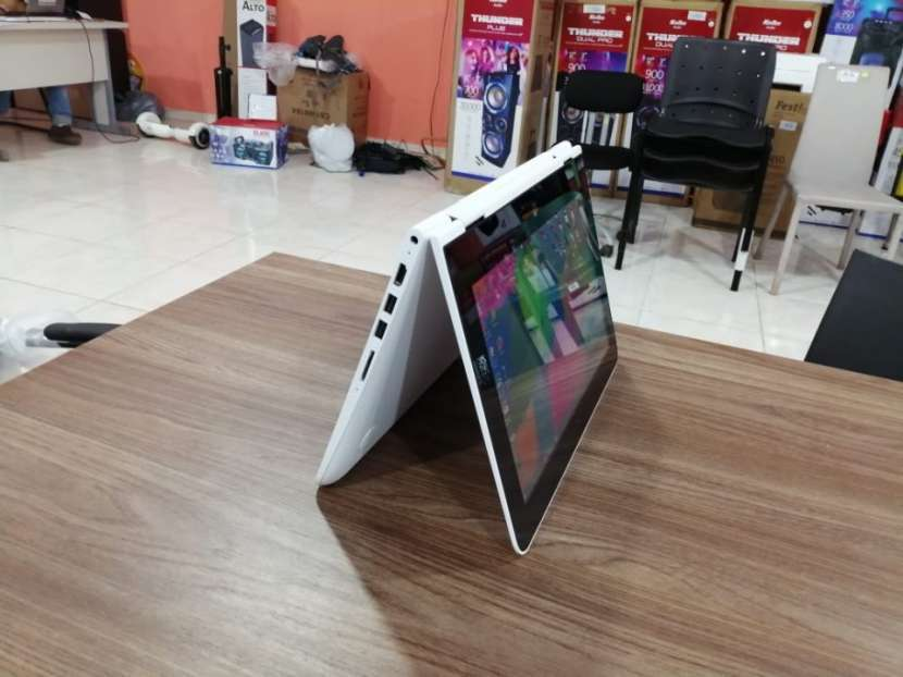 Notebook HP TOUSHSCREEN MODO TABLETA - 1