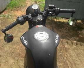 Moto Kenton motor 200 cc