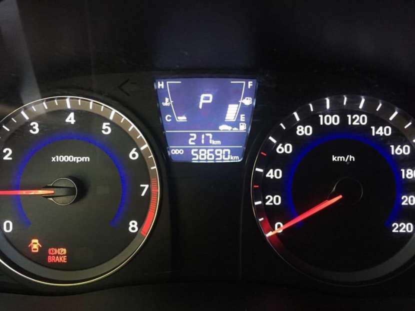 Hyundai Accent 2012 - Automático - 60.000 KM - 2