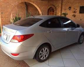 Hyundai Accent 2012 - Automático - 60.000 KM
