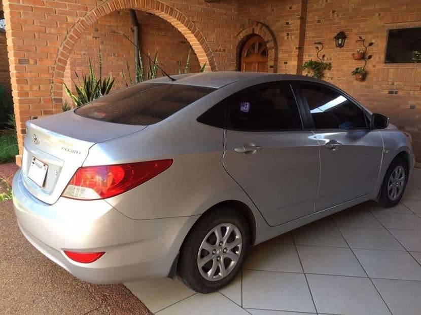 Hyundai Accent 2012 - Automático - 60.000 KM - 0
