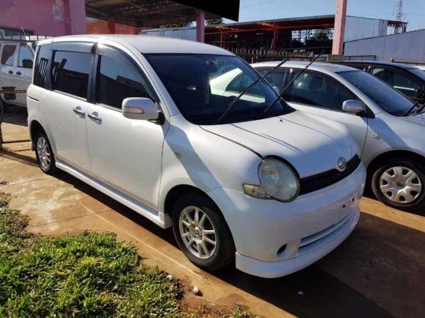 Toyota Sienta 2005 - 0