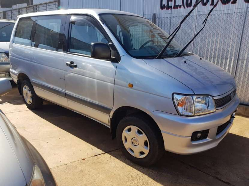 Toyota Noah 1997 - 0
